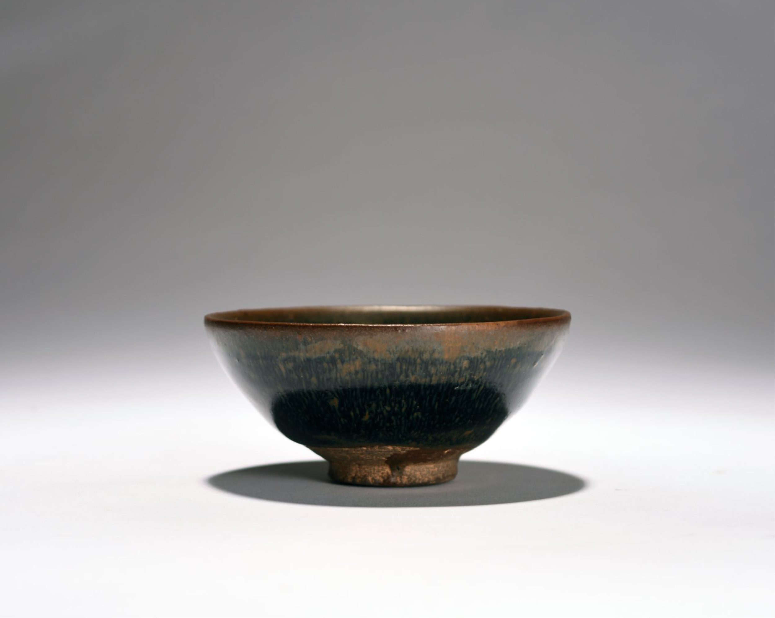 Chinese bowl sells for astonishing £16,900