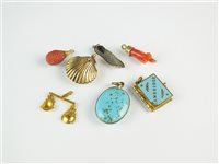 Lot 127 - A collection of seven charms