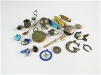 Lot 67 - A collection of twenty-two charms/novelties