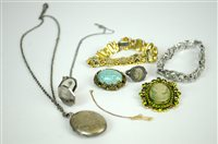 Lot 23-Collection of costume jewellery