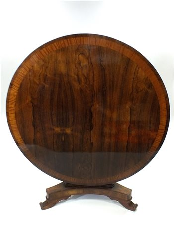 555 - A Regency rosewood and satin wood crossbanded breakfast table