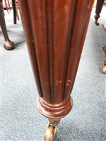 Lot 124 - An early Victorian mahogany extending dining table