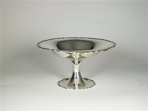 Lot 71 - A pedestal silver bowl