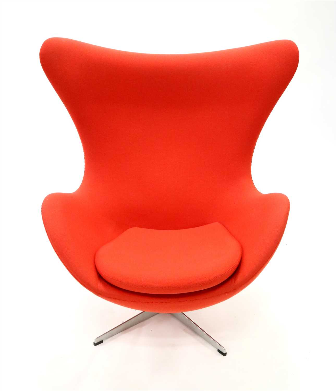 Lot 215-A late 20th century Republic of Fritz Hansen 'Egg' chair