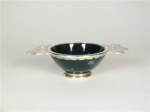 Lot 50-A silver mounted agate quaich