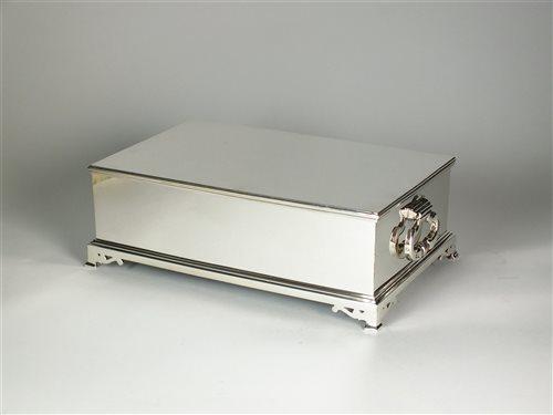 Lot 127 - A silver cigar box