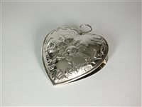 Lot 37 - A Victorian heart shaped silver clip