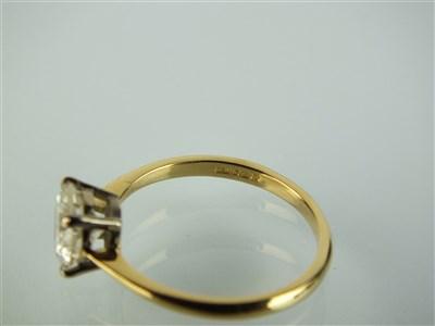 Lot 141-A single stone diamond ring