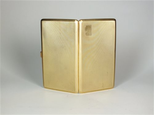 129 - A 9ct gold cigarette case