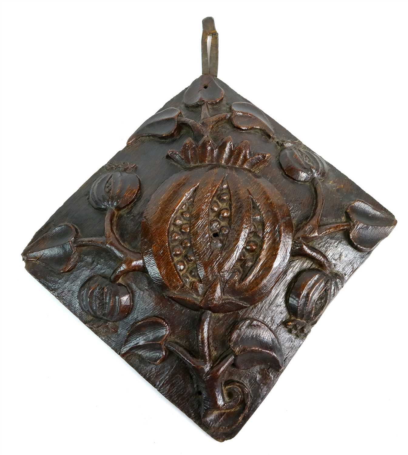 184 - An early 16th century Tudor English carved oak ceiling boss