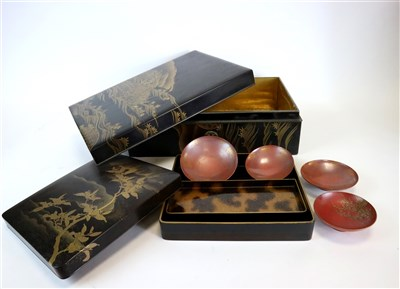 Lot 154 - A selection of Japanese lacquer ware
