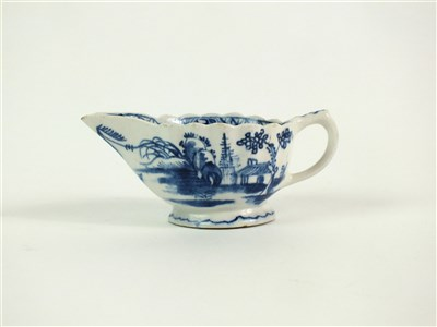 Lot 42 - A Bow 'Desirable Residence' pattern creamboat