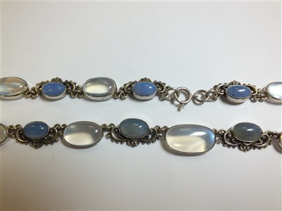 Lot 295 - A Sybil Dunlop moonstone and chalcedony necklace