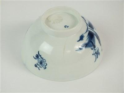 Lot 3-A Caughley 'Waiting Chinaman' bowl
