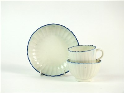 Lot 27 - A Caughley porcelain trio
