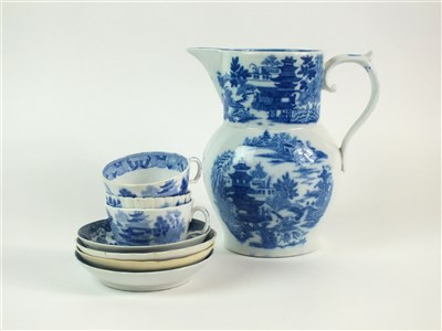 Lot 28-A group of 18th/early 19th century blue and white porcelain
