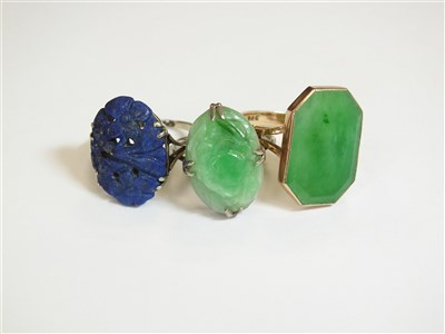 Lot 21-Two jade rings and a lapis lazuli ring