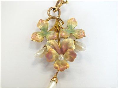 Lot 24-An enamel and pearl pendant