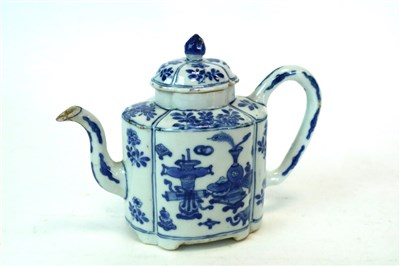 Lot 529-A Chinese blue and white teapot