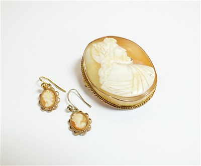 Lot 39-A cameo brooch and earrings