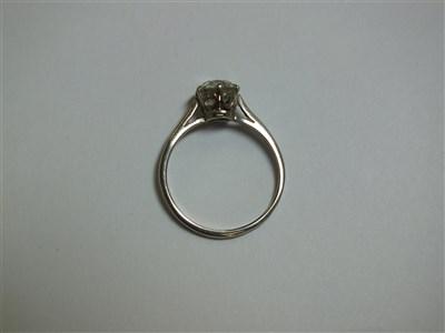 Lot 324-A single stone diamond ring