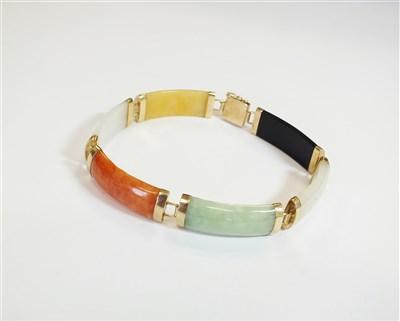 Lot 31-A jade panel bracelet