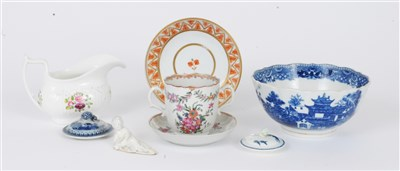 Lot 4-Small group of English and Chinese porcelain