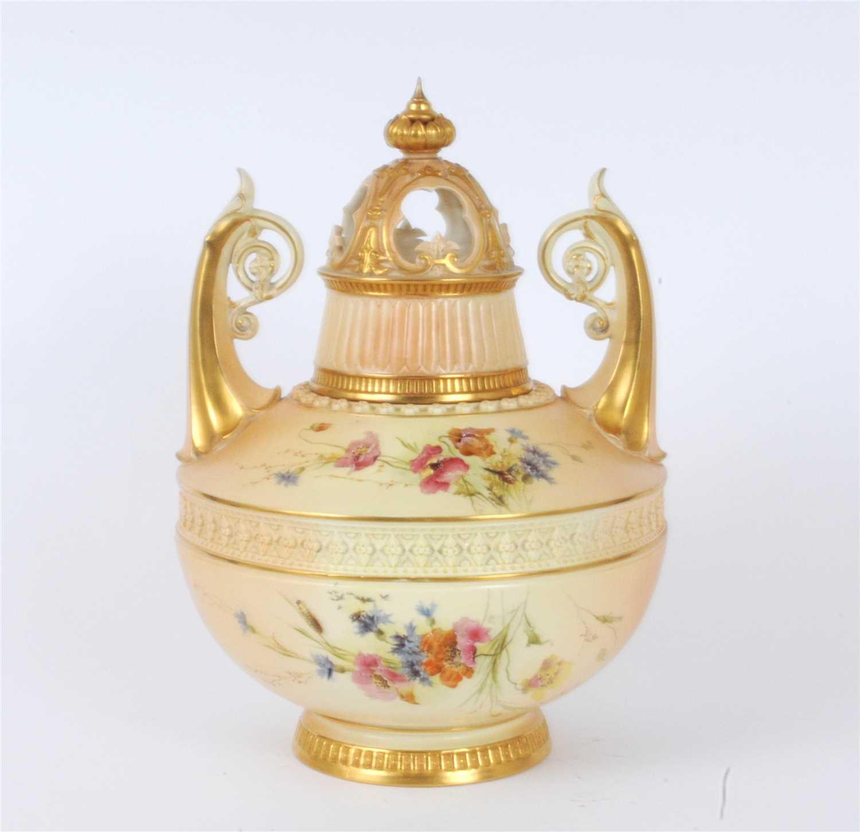 Lot 22-Royal Worcester pot pourri jar and cover