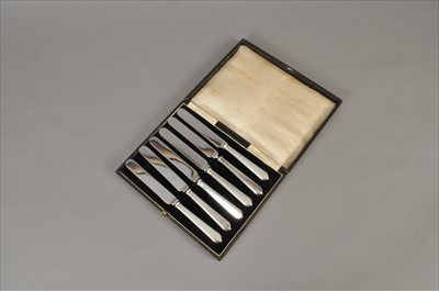 Lot 26-A cased set of six silver handled side knives