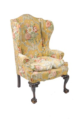 Lot 29 - An early 20th century, George II style, wing...
