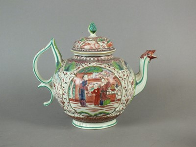 Lot 293 - A Seth Pennington Liverpool teapot and cover, circa 1780