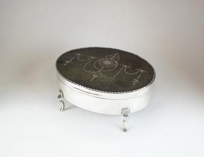 Lot 13 - An Edwardian silver and tortoiseshell mounted jewellery box