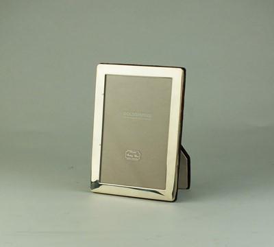 Lot 2 - A Goldsmiths silver mounted rectangular frame