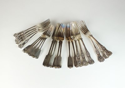 Lot 16 - A collection of silver forks