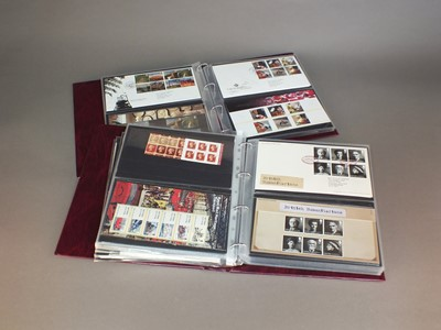 Lot 44 - A collection of stamp albums