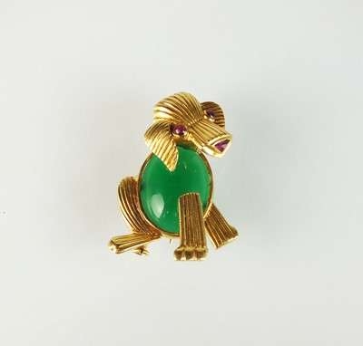 Lot 97 - A French gold brooch in the form of a dog