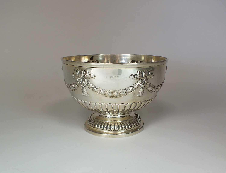 Lot 17 - A Victorian silver pedestal bowl