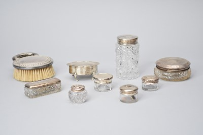 Lot 15 - A small collection of silver