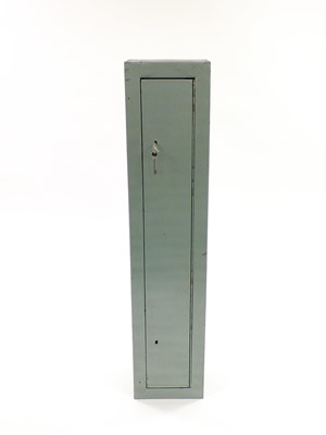 Lot 18 - A steel gun cabinet fitted for 5 guns