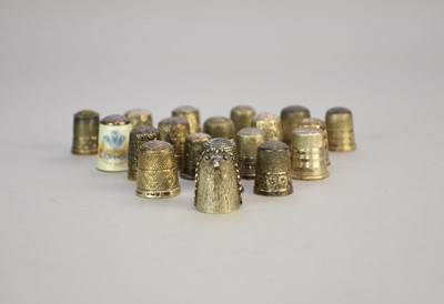 Lot 24 - A collection of nineteen silver thimbles