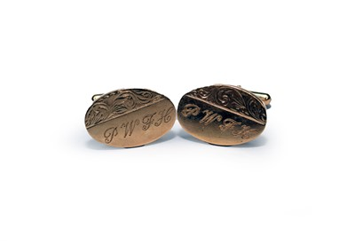 Lot 46 - A pair of 9ct gold cufflinks