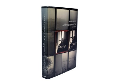 Lot 10 - LEIBOVITZ, Annie, A Photographer's Life, 1990-2005