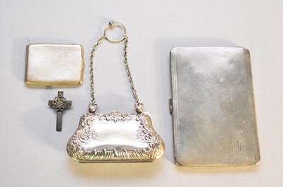 Lot 23 - An Edwardian silver purse