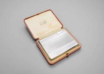 Lot 14 - An Art Deco silver cigarette case