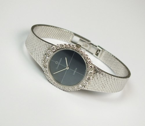 Lot 185-A Lady's 18ct white gold Omega Constellation...