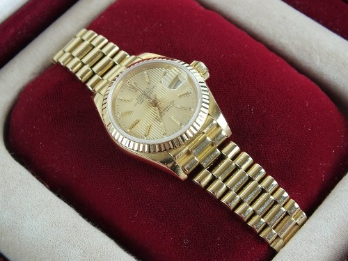 Lot 295-A Lady's 18ct gold Rolex Oyster Perpetual...